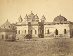 Tombs of the Gond kings, [Chanda].
